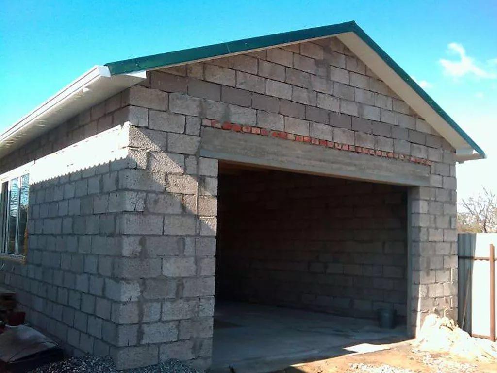 Преимущества гаража из пеноблоков
