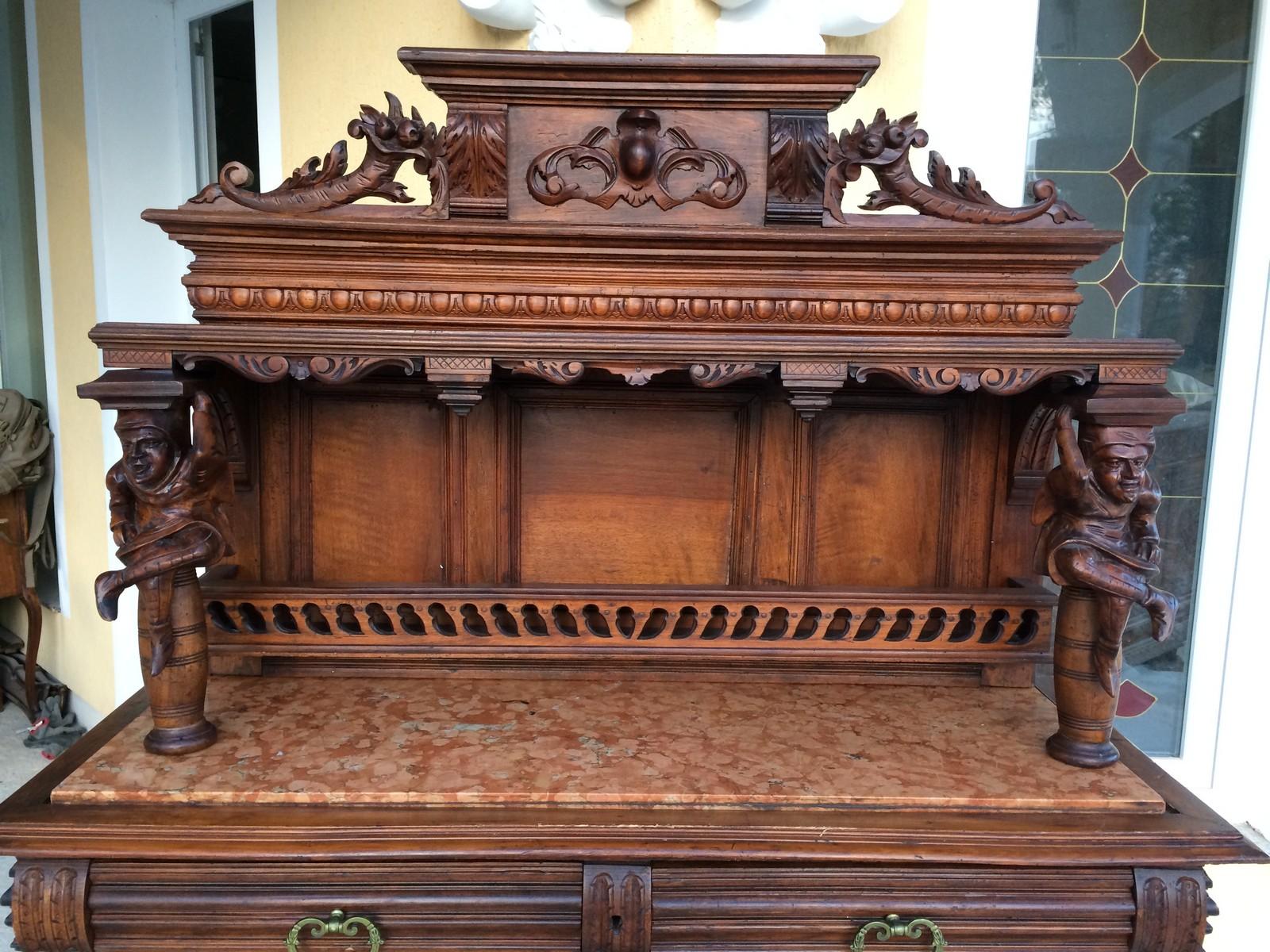 Что такое антикварная мебель?