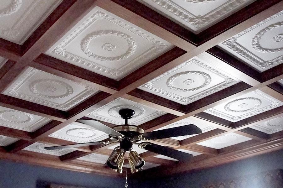 Классические клеевые потолки