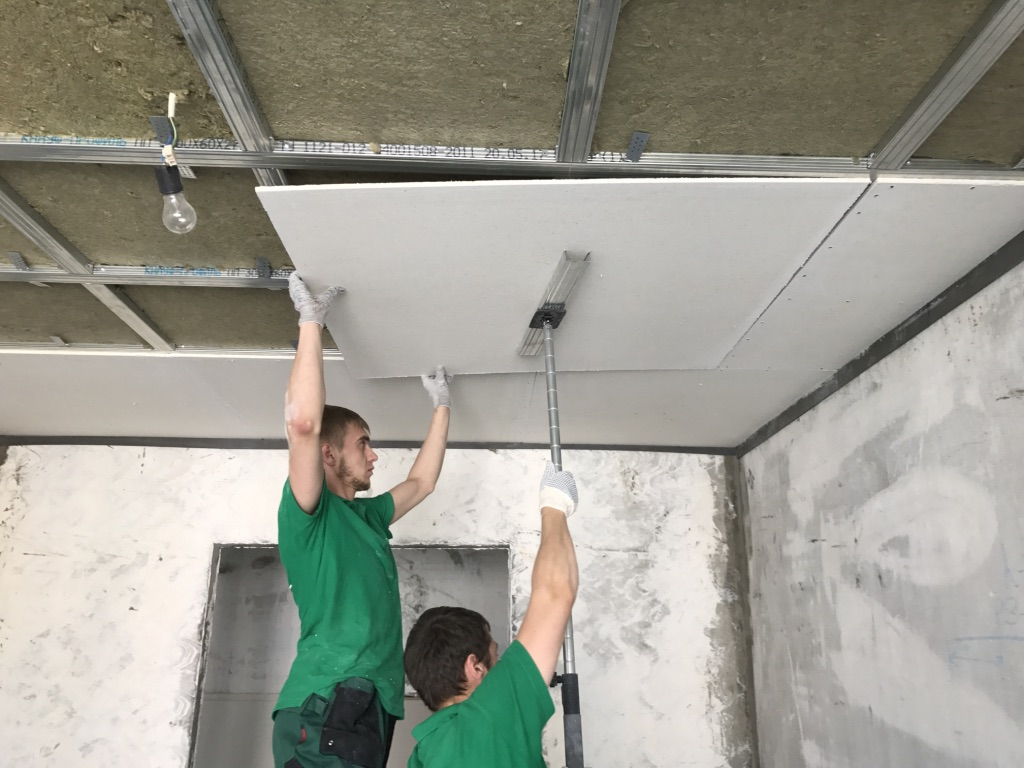 Как собрать потолок с шумоизоляционным слоем в квартире